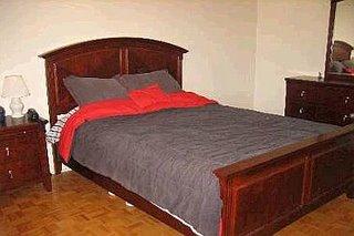 Недвижимость в Канаде: спальня в таунхаузе в Vaughan